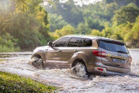 Chạy xe qua đường ngập nước cần lưu ý những gì?